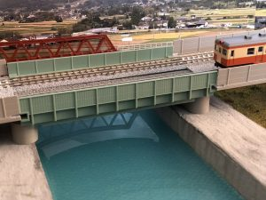 Nゲージのレイアウト「川」と「橋」