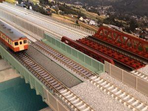 橋と川(Nゲージのジオラマ)