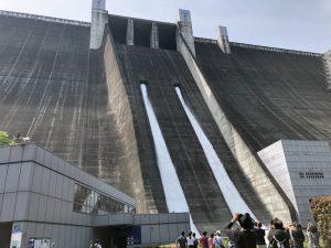 宮ヶ瀬ダム「観光放流」