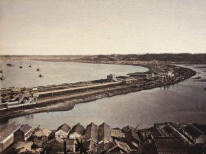 日本最初の鉄道は海の上を通っていた
