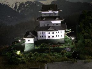 鉄道模型の「小田原城」ライトアップ