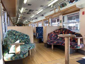 富士登山電車の車内デザイン