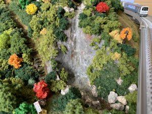 滝があるジオラマNゲージ