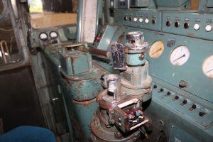 DD13-353の運転席