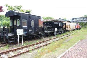 ホキ746(バラスト運搬用ホッパ車)ホキ2341(穀物運搬用ホッパ車)