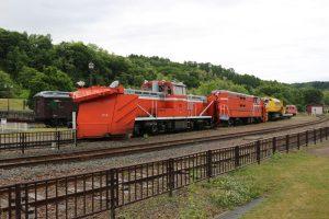 DD15形とDD14形機関車