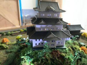 お城ジオラマへのライトアップ