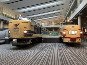 583系特急形寝台電車の先頭車 489系特急形電車の先頭車「らいちょう」