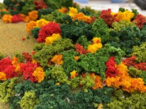 ジオラマに紅葉